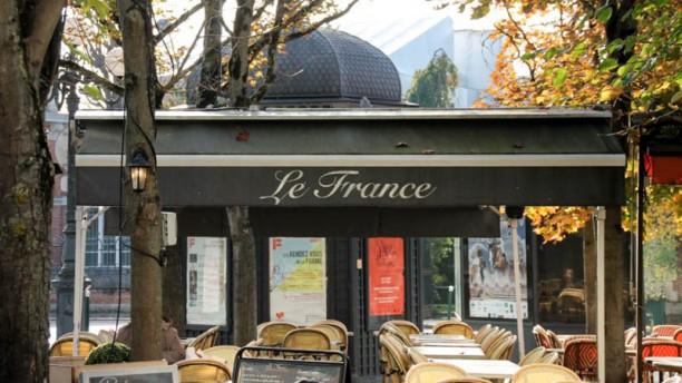 le-france-facade-d6c3b
